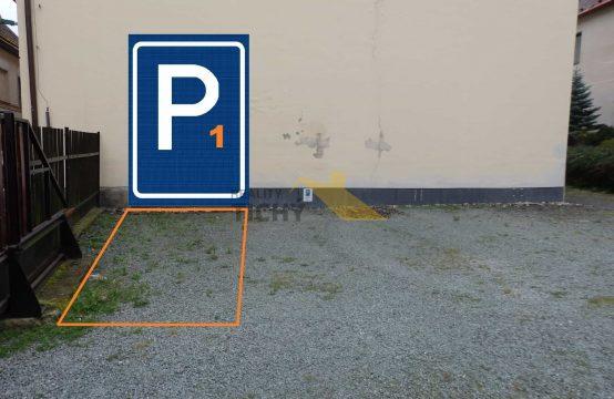 Pronájem parkovacího místa č. 1 v centru Náchoda