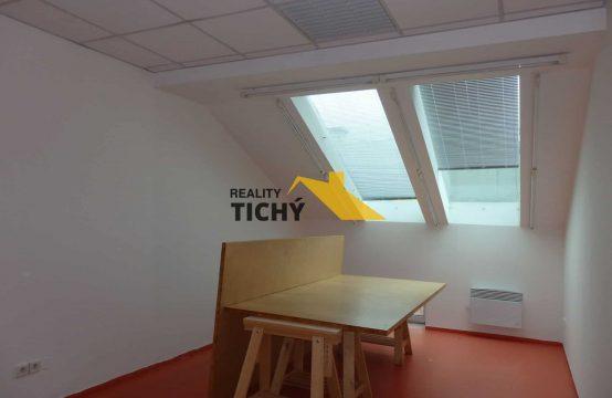 Pronájem, kancelář č. 2 v centru města – Weyrova 3, Náchod