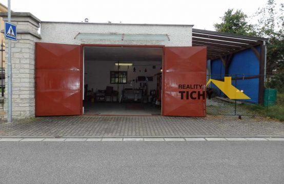 Prodej, pěkná velká dvougaráž se zahradou Červený Kostelec – REZERVACE